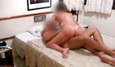 یک زن سیاه و سفید فرفری در یک لباس صورتی توسط یک دوست hahala لعنتی تا وقتی که آن را تصاویر متحرک سکسی خفن ببیند