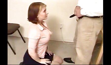 مردی با دوربین از 5 زیبایی اداری در جوراب شلواری عکس عکس کس کون خفن می گیرد