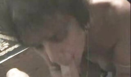 نوجوان در اولین فیلم عکس کیر خفن پورنو خود