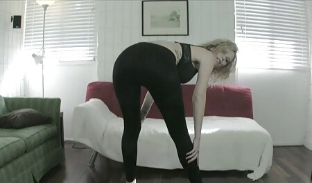 لیس های بلوند پس از رابطه جنسی صورت دوست خود را جمع می کند گیفسکسی خفن