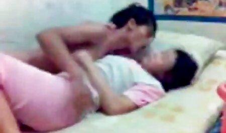 جوانان عظیم ، نوک سینه ها را با استفاده از دوربین در عکس های سکسی متحرک خفن خانه نوک سینه می کند